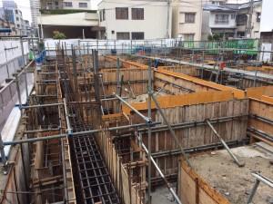 【東千田町賃貸マンション】基礎コン工事が進んでいます。<