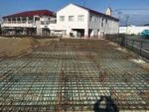 【西条町土与丸タウンハウス新築工事】基礎工事施工中です<