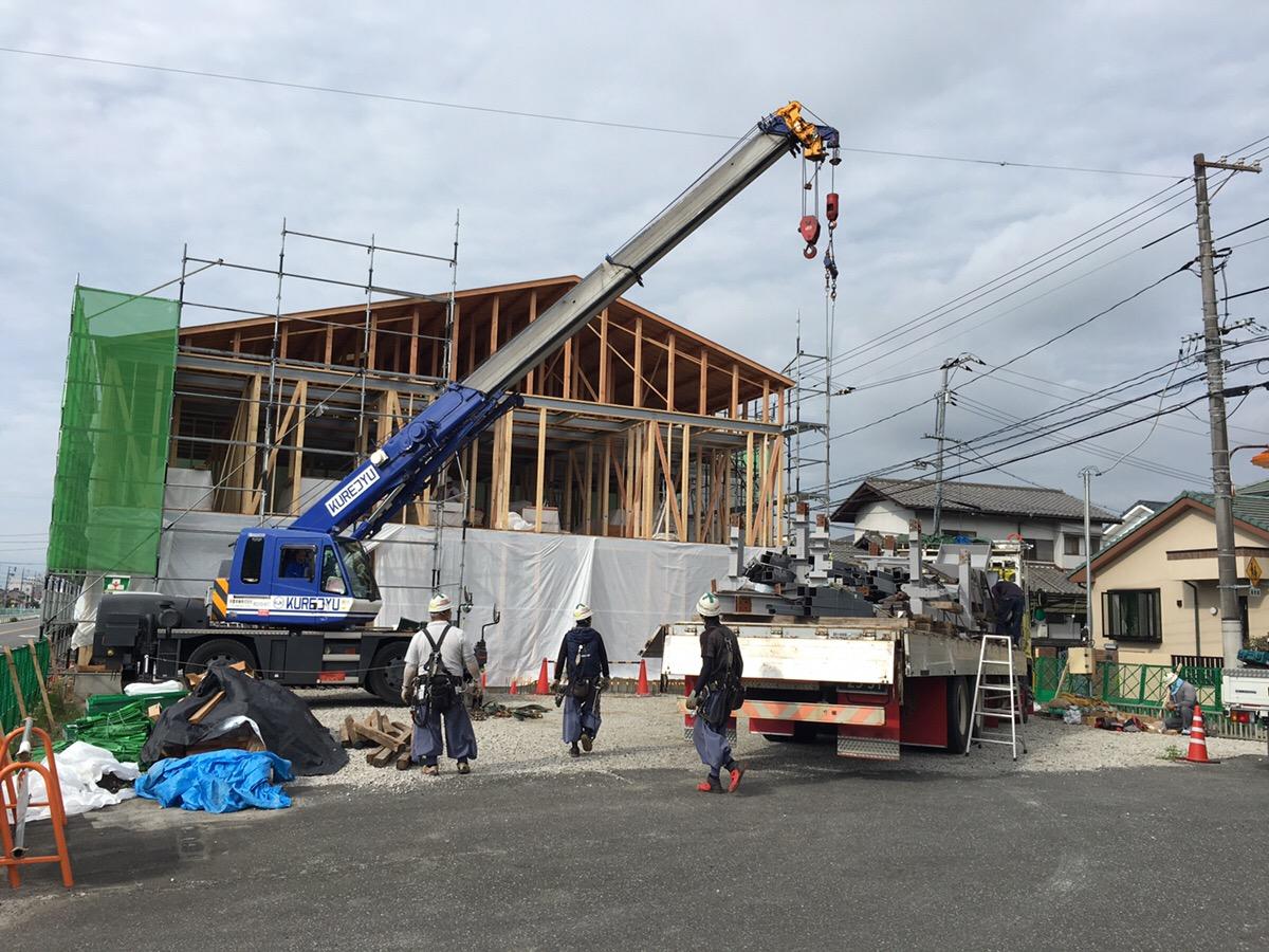 【グループホームなでしこ五日市新築工事】鉄骨階段建方開始です<