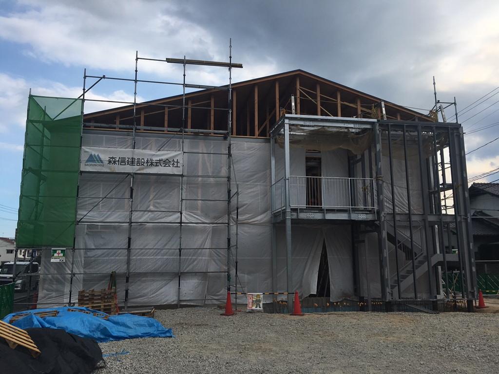 【グループホームなでしこ五日市新築工事】鉄骨階段建方完了です<