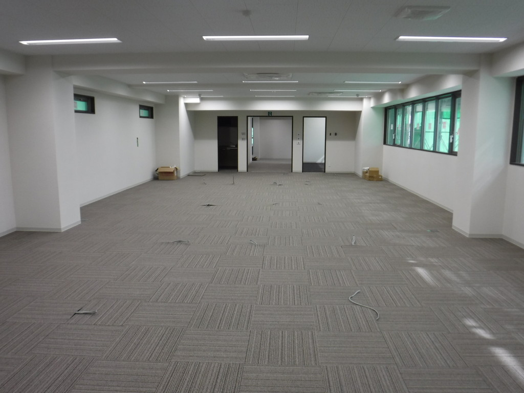 【S社新築工事】各階内装工事、外部吹付工事施工中です<